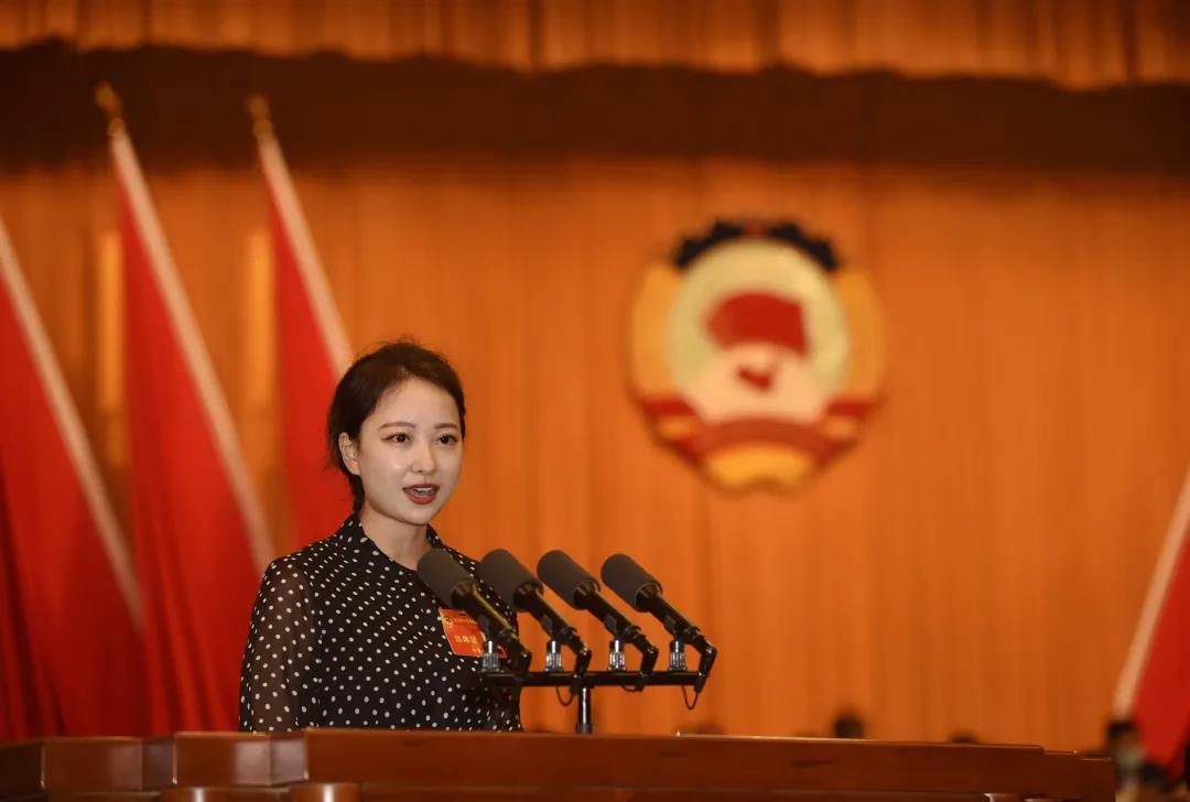 聚焦两会⑮   成都市政协委员、天府新区商会副会长郑胜兰积极履职建言