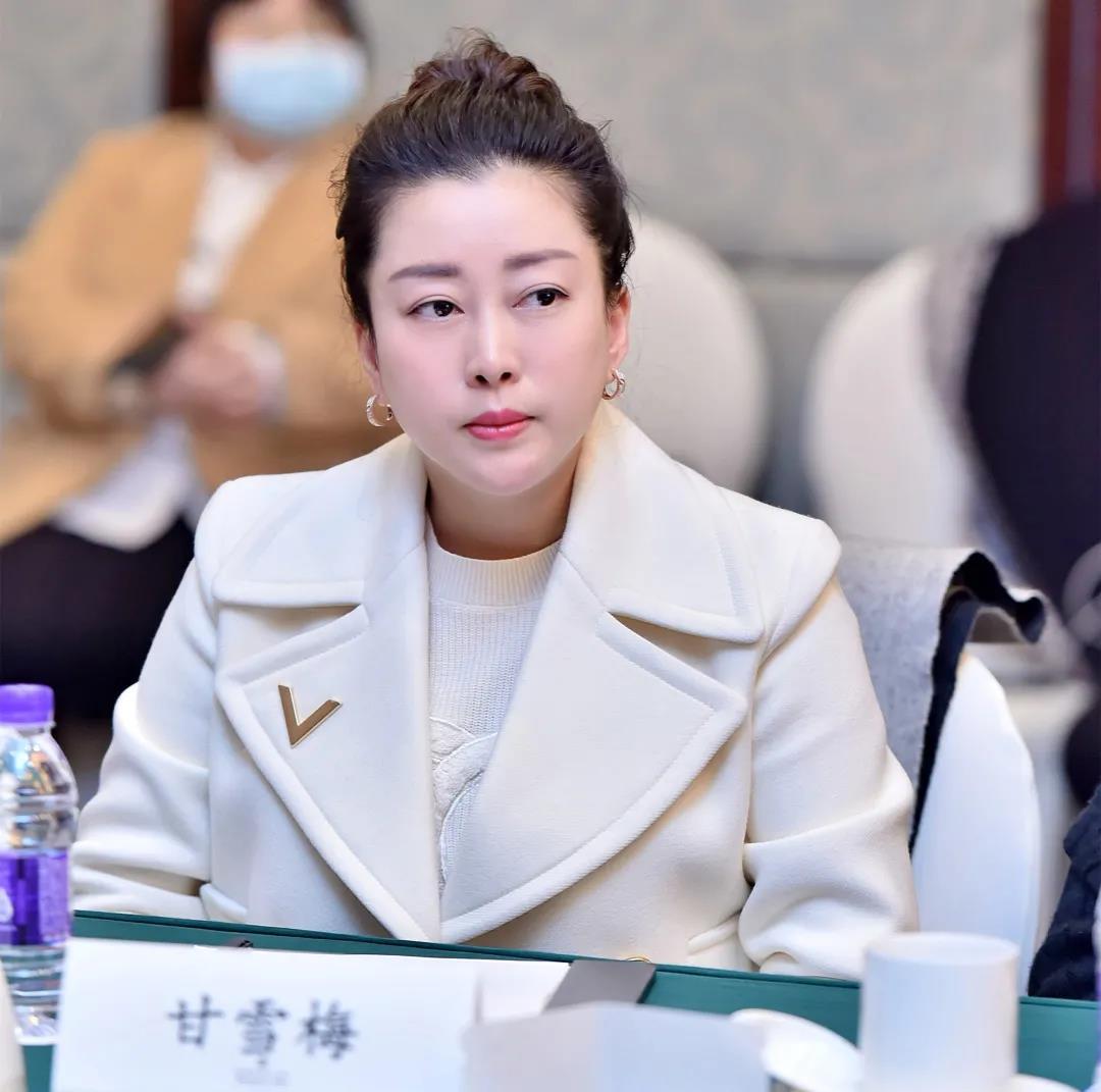 聚焦两会(20)   自贡市政协委员、天府新区商会副会长甘雪梅积极履职建言