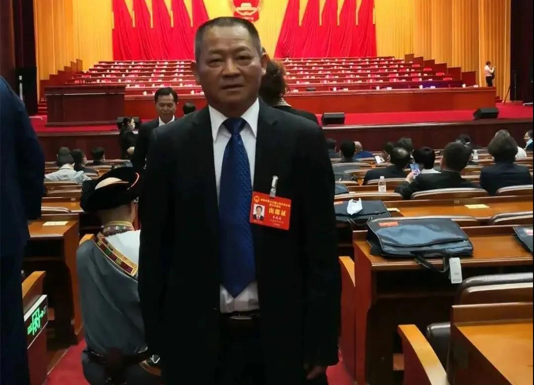 聚焦两会(21)   成都市人大代表、天府新区商会会员李成龙积极履职建言